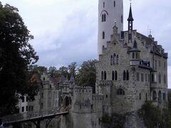 3、リヒテンシュタイン城(1842年築) メルヘンチックなお城