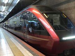 12時発のひのとり 停車駅は三重県の津、大阪の上本町、鶴橋、難波終点