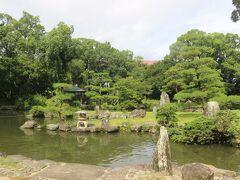 宇和島城の近くにある庭園・天赦園。 宇和島藩主の庭園だったところです。 伊達宇和島藩は10万石でしたので、加賀100万石の兼六園や池田岡山藩40万石の後楽園に比べれば規模は小さいですが、美しい庭園でした。