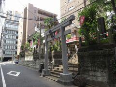 妻恋神社、すごい高低差。