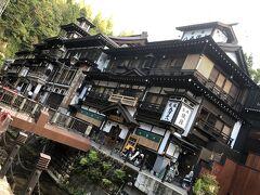 永澤平八さんと能登屋さんの2ショットが、レトロで絵になります。