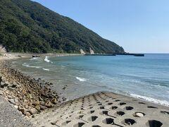 午後はSNS友達のサーフィンスクール  1時にホテルに迎えに来ていただき  下甑島の芦浜海岸へ  いいロケーションです