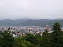 白虎隊の墓がある飯盛山の方向。