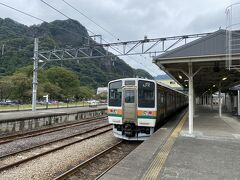 横川駅に到着。 小学生の時にスキーバスで数回来たことはありますが、電車来るのは初めてです。