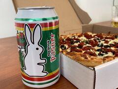 カナダのビール オールドスタイルプリズナー と ピザを夕食にして 明日に備えます。  ジャスパー1泊目
