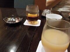 メトロポリタン長野にある中華皇華へ 株主優待券で10%オフ+ドリンク1杯無料 桃ジュースが美味しい。