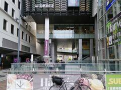 輪行の場合、ホームから地面までが遠い大阪難波よりも手前の鶴橋や大阪上本町で降りるのがよいと思います。 大阪上本町からひたすら南下するサイクリングが始まります。