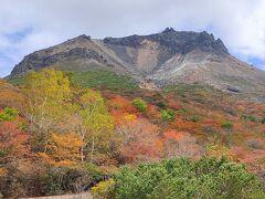 姥ケ平からの茶臼岳。美しい。