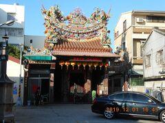 陳氏宗祠の東隣にあるのが海頭社文龍殿です。