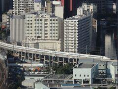 東海道新幹線。