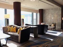 26階へ。 本日の宿は、ストリングスホテル東京インターコンチネンタル。