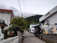 丑若丸さんは会津の観光名所「飯盛山・さざえ堂」のすぐ近くなので、観光路のランチにぴったり。もちろん私もそうする算段です。