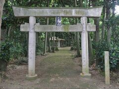 塩川御嶽(おたき)は18世紀に建てられた信仰の対象で、