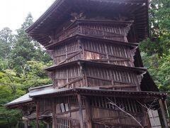 <さざえ堂> 二重構造のらせん階段がある国の重要文化財