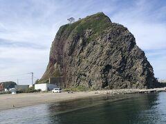 オロンコ岩は上まで登れるみたい。時間があれば行きたかったなあ