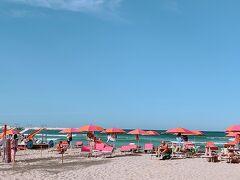 これから3日間お世話になる ビーチリゾートに到着。  こちらは シチリア1とも イタリア1とも言われる 美しい海岸なんですって