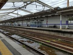 ●JR市川大野駅  成田空港から、松戸、市川とぶらぶら散策しています。 千葉の都市は、名前は知っているけど、行ったことのない場所ばかりなので、とても新鮮。しかも松戸と言っても、東松戸、市川と言っても市川大野、どちらも中心部から離れているチョイスの仕方が自分らしいなと、爽快です(笑)。