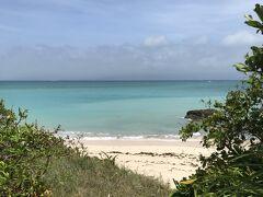 少しずつですが青空も見えてきたので、西の浜へ。