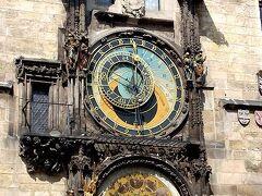 旧市街広場の旧市庁舎南にある、天文時計。