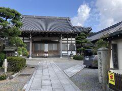 神前神社すぐ隣。 海潮院へ。 知多四国第54番の札所です。