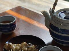 11本で500円 美味しい~^^  暑かったのでほうじ茶も冷たく最高でした。  帰りは最短距離でホテルに戻れました^^ ふぅ~10月なのに京都は暑い(><)  チェックアウトは15時でOKと言われていましたが・・・ 2泊目はリッツカールトン京都宿泊^^  少し休んで、次はプール!!(笑)