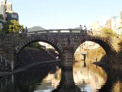 この辺りには○○橋がいっぱいありました。 隣の橋から撮ってみましたが、逆光で半分しか光が当たりません((+_+))