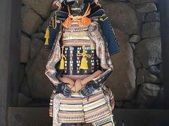 国宝松本城に到着! 大人700円。  戦国時代には全く詳しくないですが、最後の城主戸田光則は徳川系のようです。(雑)
