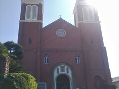 1959年に再建された【浦上天主堂】です。 こちらの浦上地区は隠れキリシタンが多い地域だったんだそうです。