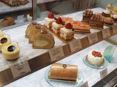 アイマリーナでケーキを購入。