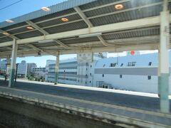中津駅12時42分着 この駅は福沢諭吉さんゆかりの駅ですが、4日後の特急36ぷらす3で立ち寄るのでそのお話はまたあとで