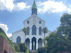 世界遺産の大浦天主堂へ。厳かな雰囲気。教会内は撮影できません。