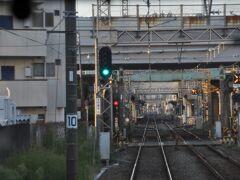 甘木鉄道線との接続駅 西鉄小郡駅を通過します。