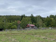 再び車で移動し、「五郎の石の家」へ。 「'92 巣立ち」で黒板五郎が建てた石の家。