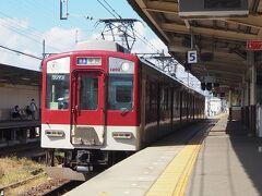 せっかくなので、近鉄線に乗ってみます。運賃は別払いとなりますが、伊勢中川まで移動します。。