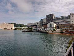 本来は駅ハイのコースを歩くのですが、せっかく横須賀に来たので軍港めぐりのクルーズ船に乗ることにしました。