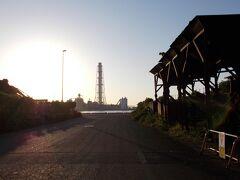10/2  6:30 姫路港 ここから出発。 これから、太陽が沈む前に石川県の千里浜へと向かいます。