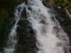オシンコシンの滝の上部、昨年は雨でした、撮り直し
