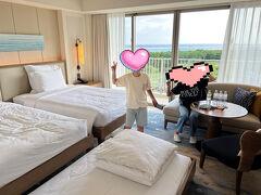 一度ホテルに戻ってチェックイン!新しい部屋で快適。サービスも良くて海もプールも見えて大満足な部屋でした。 このあとは、ひっさしぶりの居酒屋に行ってきます!