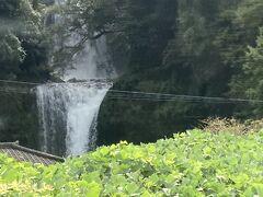 車窓から慈恩の滝