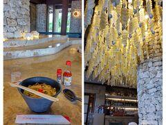 お部屋の準備ができるまで、ランチ営業しているバーで軽食を頂きます。 沖縄ですもの、「ラフティー入り宮古そば」!  貝殻を使ったインテリアが豪華でした。