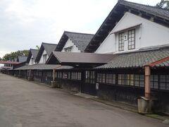 山居倉庫(酒田米殻取引所の米保管倉庫として明治26年に建造。現在も農業倉庫として使われています。)