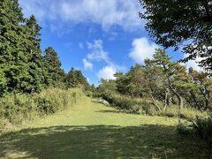 明神ヶ岳から歩いて80分、明星ヶ岳の山頂付近に到着しました。