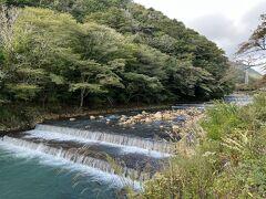 早川沿いに出て、宮城野早川堤を歩きます。