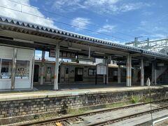 米沢駅に着きました。
