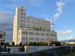 今夜泊まるのはニューグランドホテルさんです。