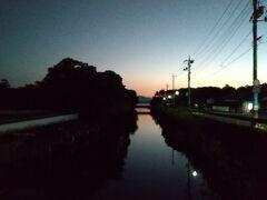 5:42 昨夜見切れなかった世界遺産、萩の城下町を朝散歩。