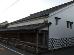 江戸初期の建築に建てられた、毛利藩の御用商人、菊屋家の住宅。