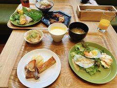 3日目朝。朝食のメニューは昨日と同じなので昼に備えて軽めに。この少なさから昼食にかける気合いが見えます。