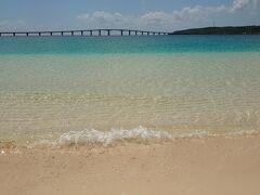 で、これが与那覇前浜ビーチ  うわ、なんだこのコントラストってくらいきれいすぎる