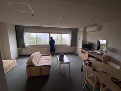 アンビエント安曇野のリビング付の部屋、広くて快適でした。 301号室